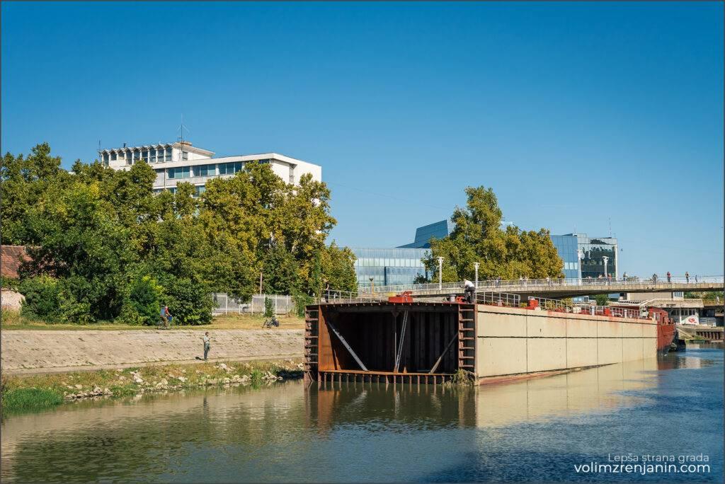 brodi spod mosta 002