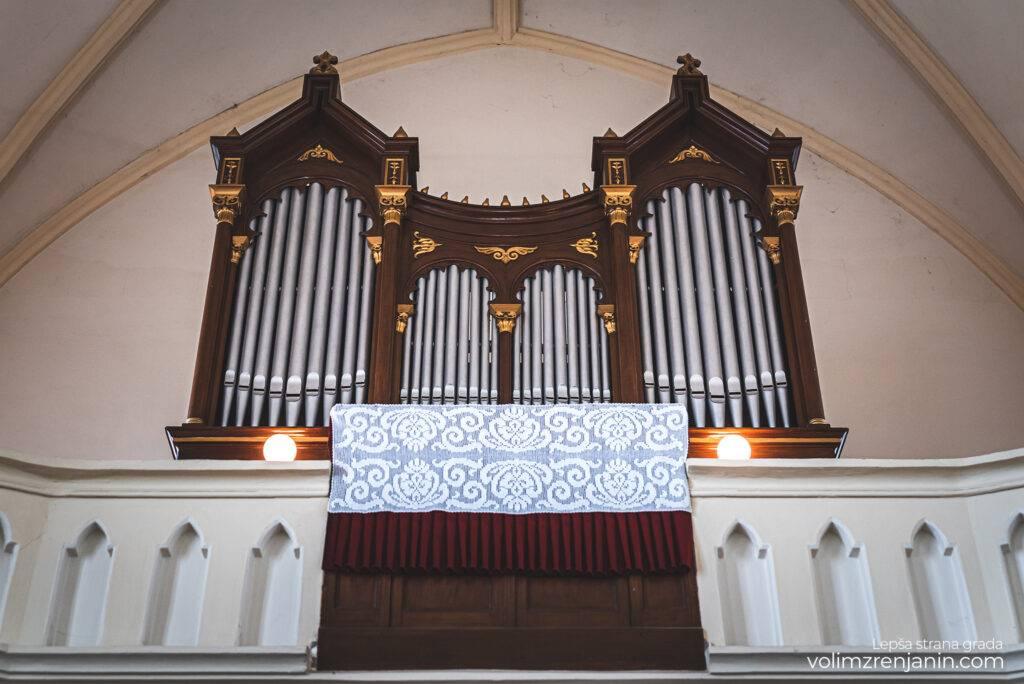 reformatska crkva zrenjanin 074